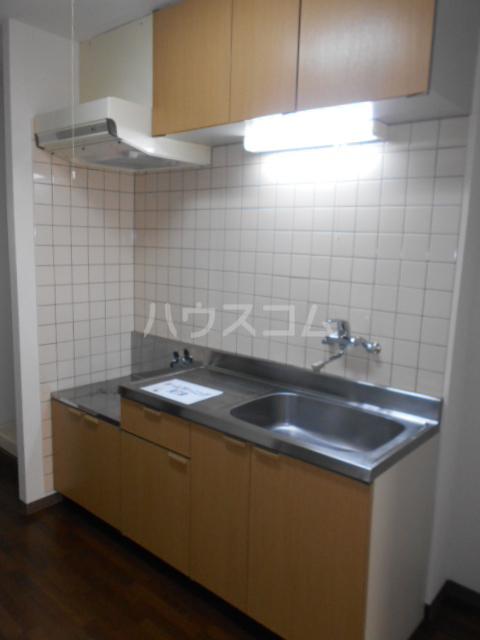 エテルノ鶴巻 302号室の風呂
