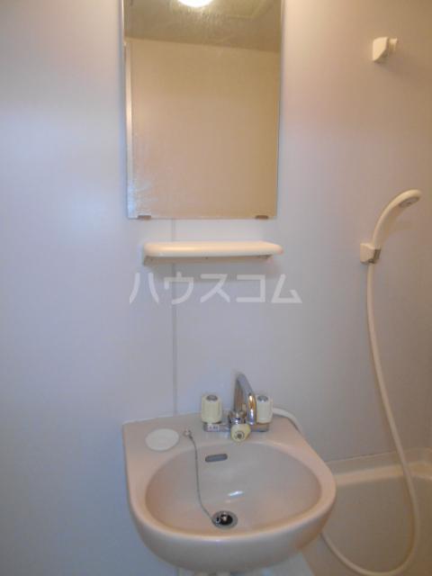 エテルノ鶴巻 302号室のトイレ