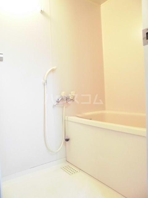 第五大場ビル 202号室の風呂
