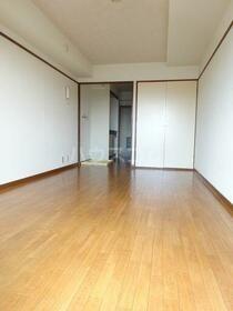 南林間FTマンション 305号室のリビング