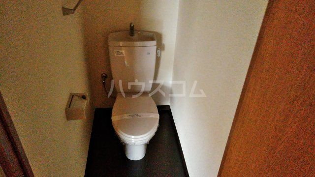 ラシーヌⅡ 301号室のトイレ