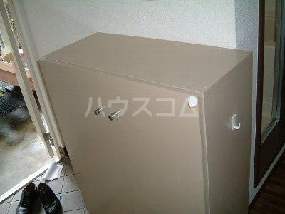 エスポワ・メゾン 102号室の玄関