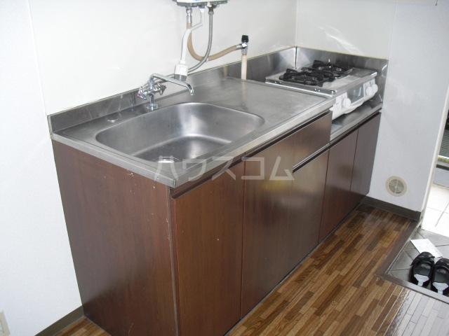エスポワ・メゾン 102号室のキッチン