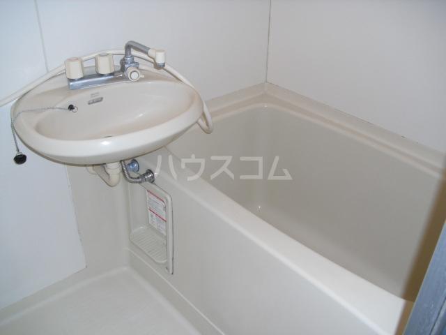 エスポワ・メゾン 102号室の風呂