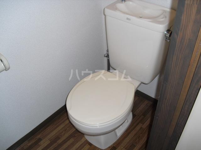 エスポワ・メゾン 102号室のトイレ