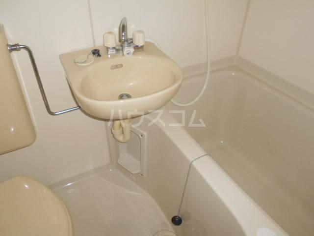アーバン21 103号室の洗面所