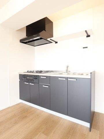 根本マンション 506号室のキッチン