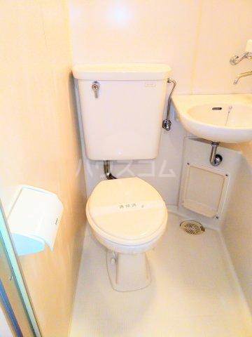 高峰コーポ 108号室のトイレ
