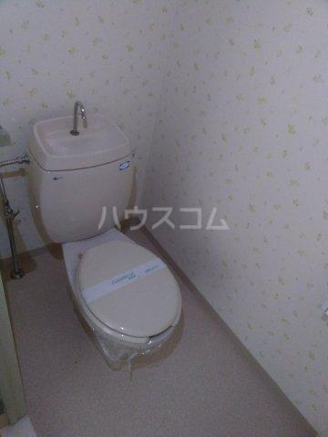 コンフォート北国分Ⅰ 101号室のトイレ