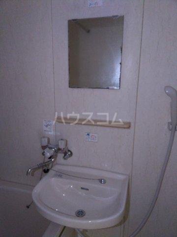 コンフォート北国分Ⅰ 101号室の洗面所