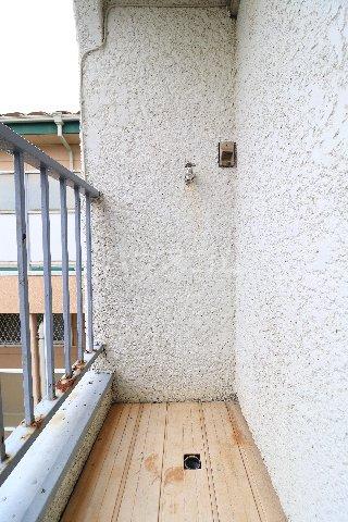 花沢第一コーポ 203号室のバルコニー