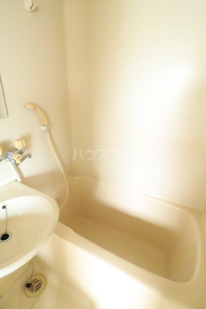 Kハウス南流山 303号室の風呂