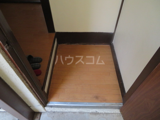 コーポ真辺 101号室の玄関