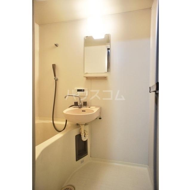 アイシーコーポ 2B号室の洗面所
