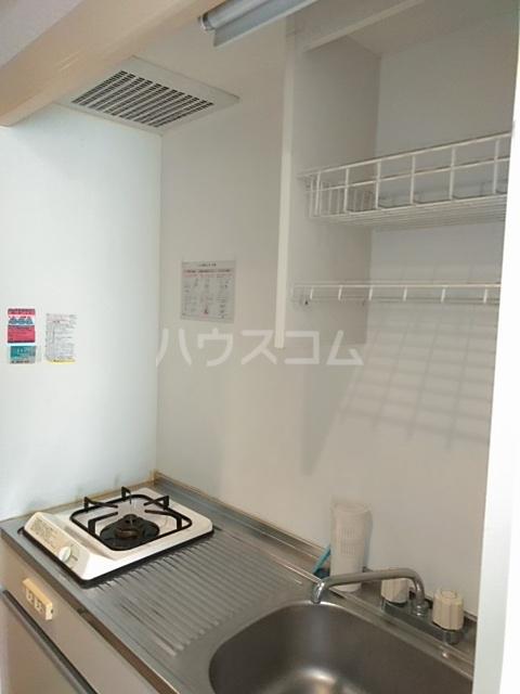 小高ハウス 101号室のキッチン