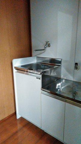 ドミールモリス 202号室のキッチン
