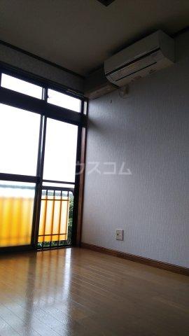 シャトー伊澤 202号室のリビング