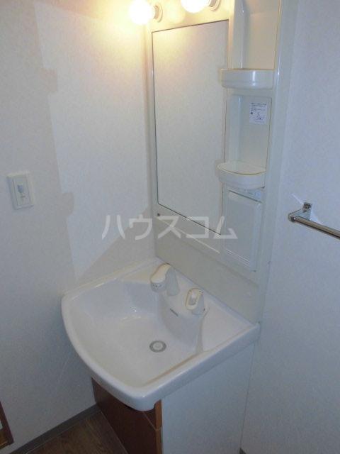 プルミエ 102号室の洗面所