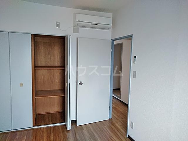 スカイコート 302号室の収納