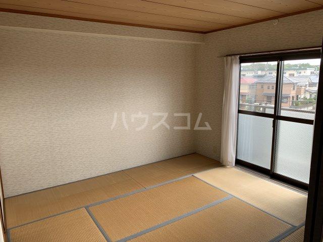 オーパス湘南 304号室のベッドルーム