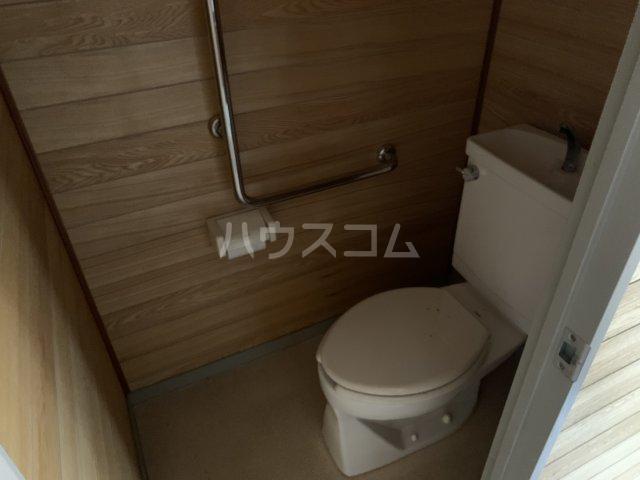 オーパス湘南 304号室のトイレ