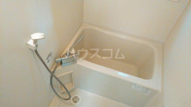 メゾン湘南 202号室の風呂