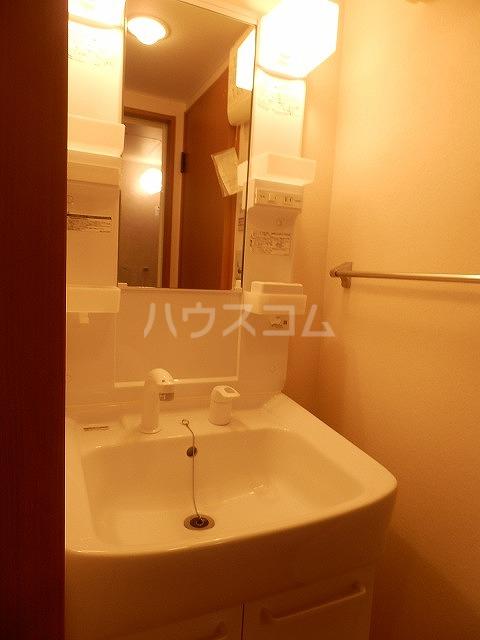 レジデンスSAKURA 103号室の洗面所