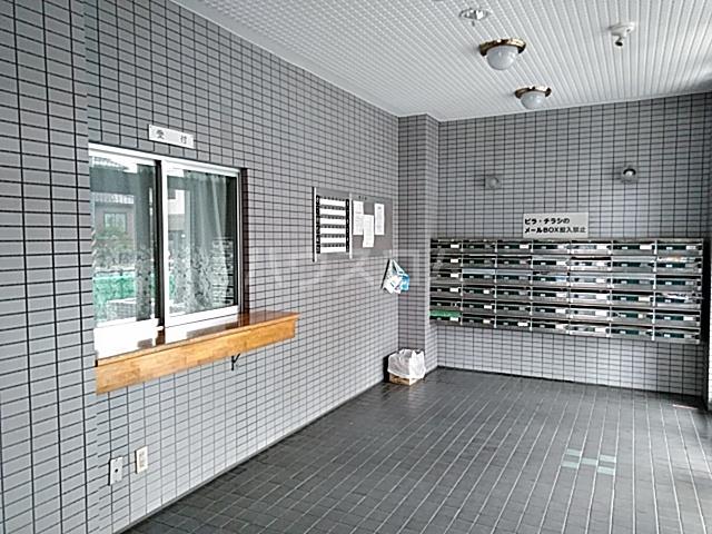 スカイコート 501号室のエントランス