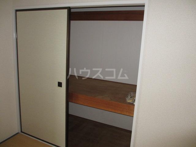 KTハイツ 201号室の洗面所