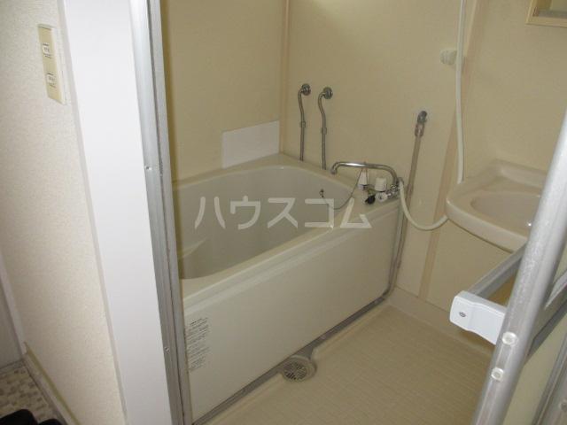 KTハイツ 201号室の風呂