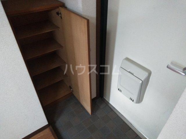 ソレイユK 103号室の玄関