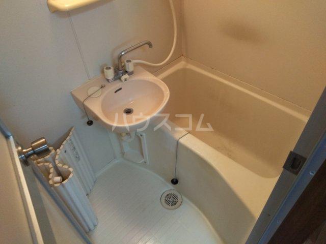ソレイユK 103号室の風呂