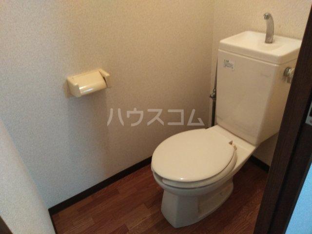 ソレイユK 103号室のトイレ