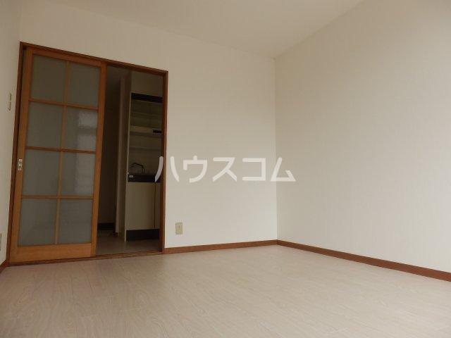 宮川ビル 301号室のリビング
