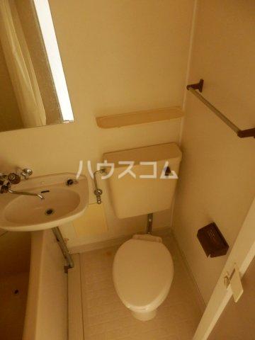 宮川ビル 301号室のトイレ