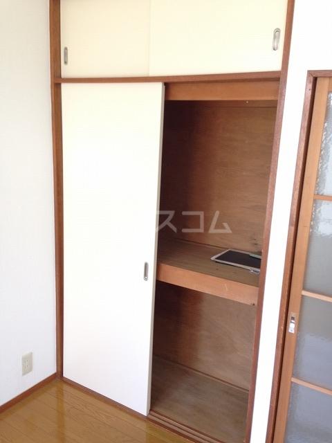 宮川ビル 301号室の玄関