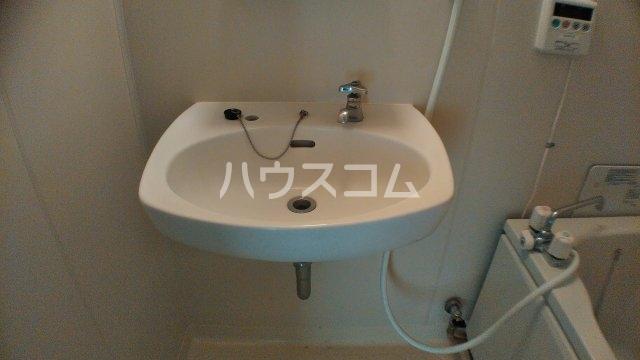 ファミーユ中堂A 103号室の洗面所