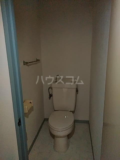 JCマンション 105号室のトイレ