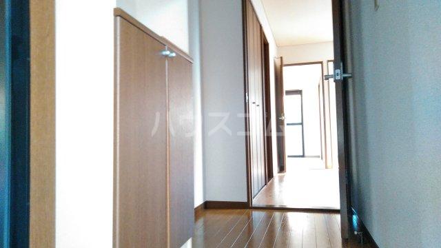 プリマベーラ 102号室の玄関