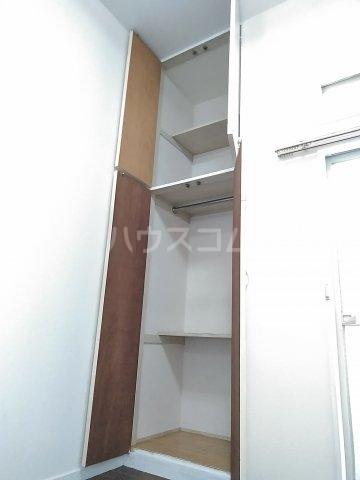 ハイムプリマヴェーラ 102号室の収納