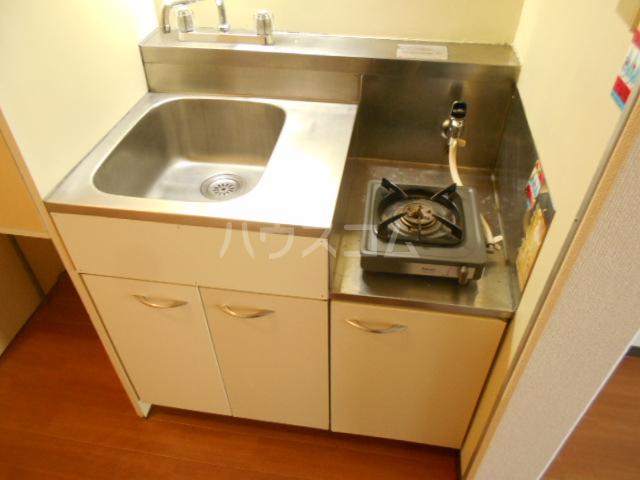 厚木ユースハイム 516号室のキッチン