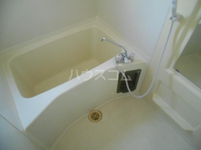 グリーンシティ川瀬 101号室の風呂