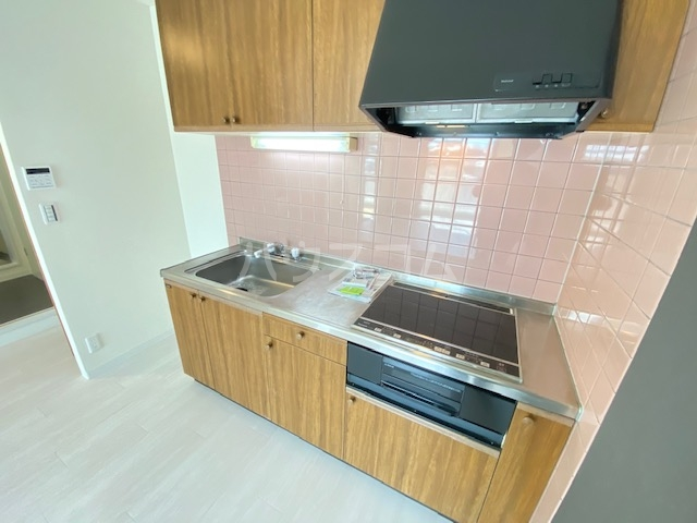 セピアレジデンスⅡ 302号室のキッチン