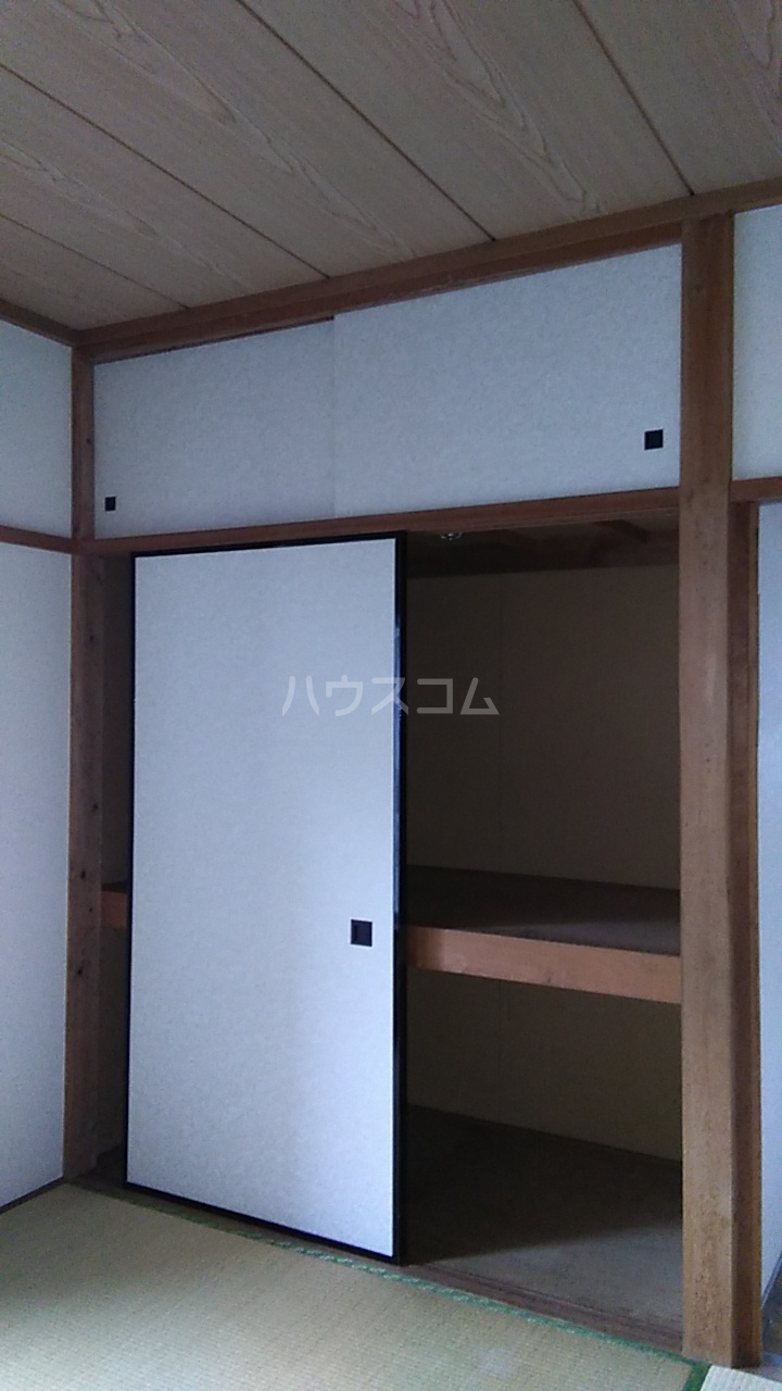 サニイプレイス 105号室の収納