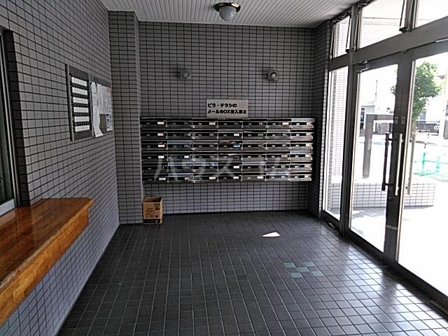 スカイコート 306号室のエントランス