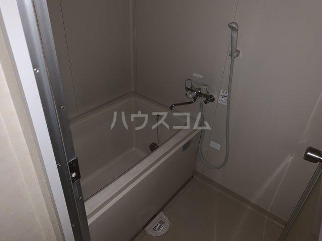 アゼリアコート湘南 303号室の風呂