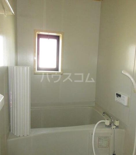 ウィンズ湘南 2棟 202号室の風呂