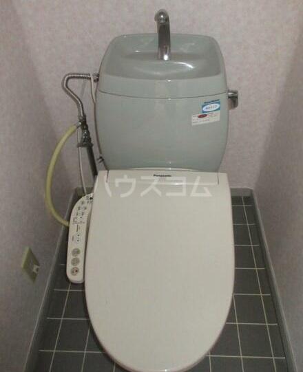ウィンズ湘南 2棟 202号室のトイレ