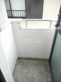 ジュネパレス平塚第02 201号室のバルコニー