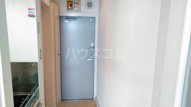 サンパレス湘南 103号室の玄関